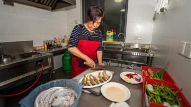Fishing village in east China's Zhejiang develops ecological tourism
